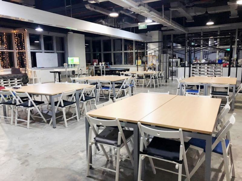 Affordable-training-seminar-rooms-venuerific-singapore-Cloud9-tables-chairs