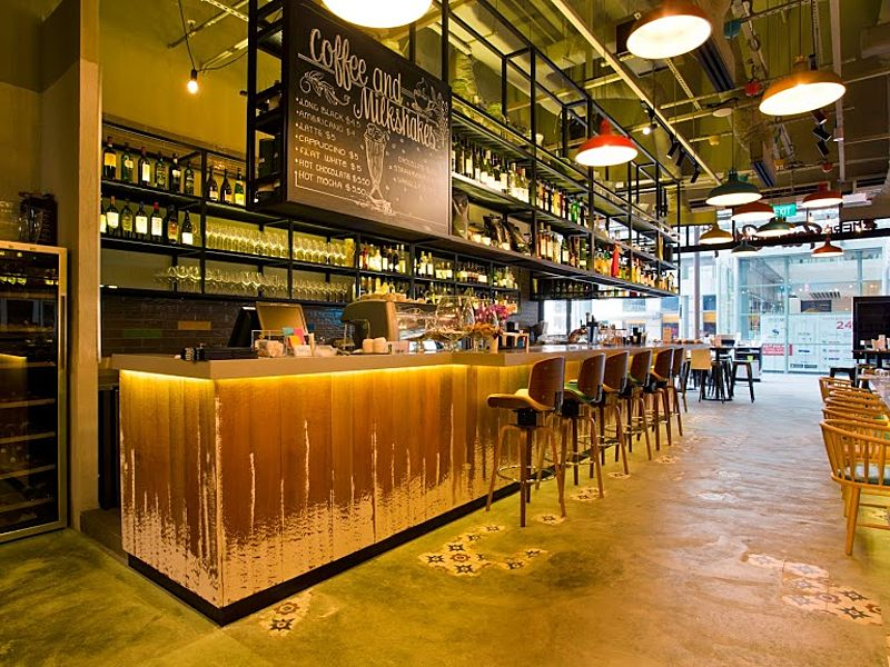 Family friendly restaurant with bar in Singapore