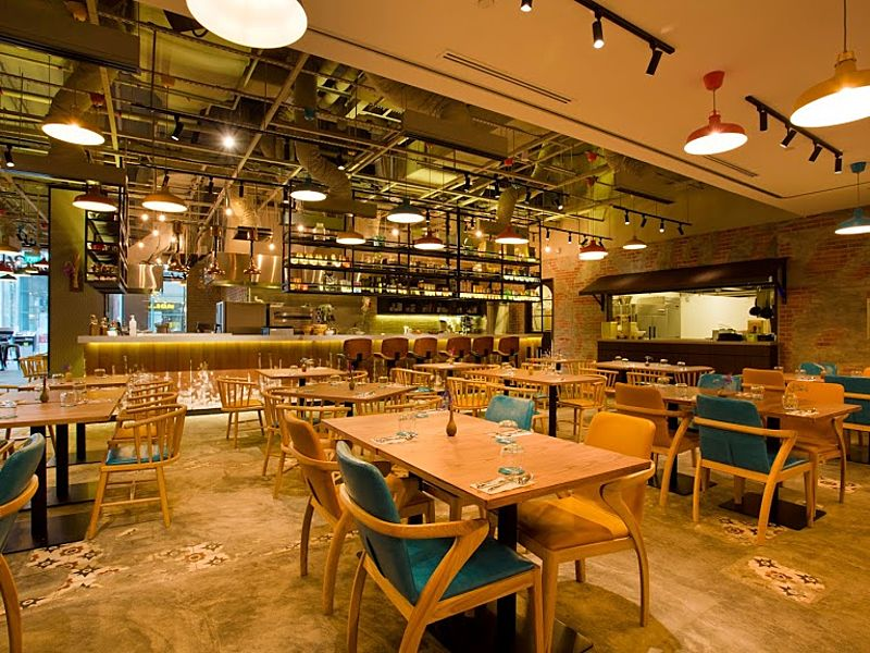 Family friendly restaurant with good food in Singapore