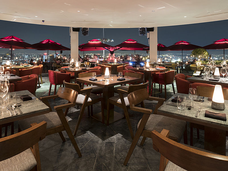 Marina Bay Sands Skypark CÉ LA VI rooftop dining area