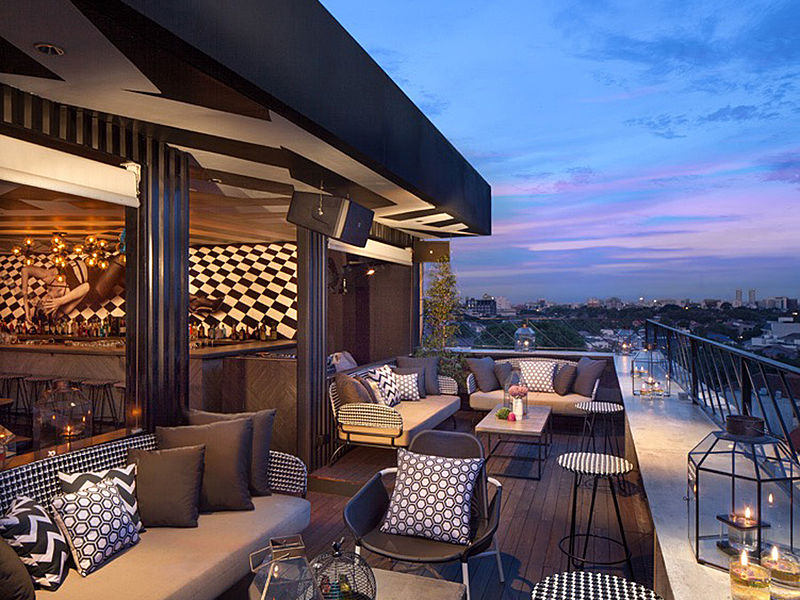 best rooftop bar and restoran Jakarta