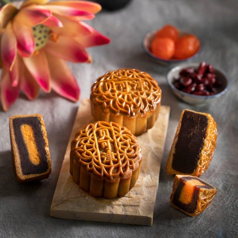 delicious traditional mooncake from bakerzin singapore