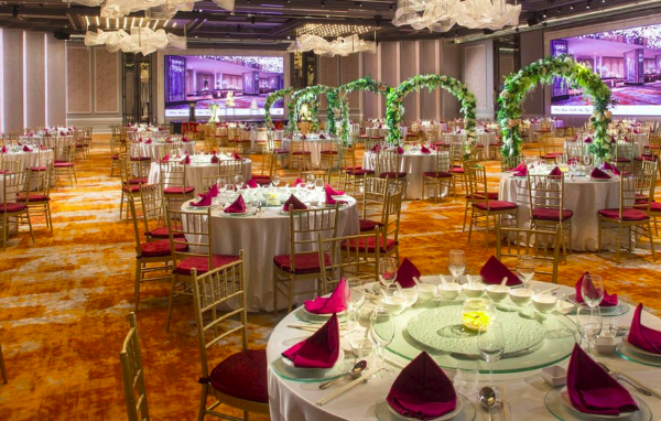 Top 8 Hotels for Company Dinner and Dance in Singapore this 2019