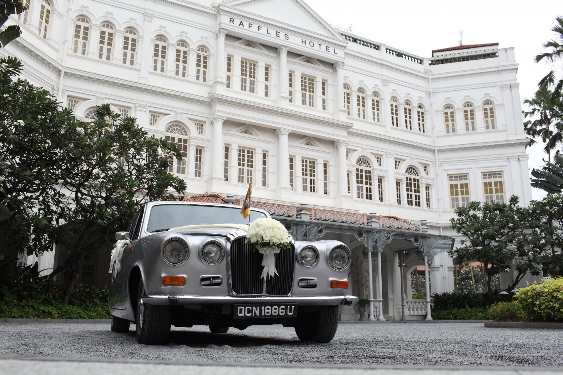 wedding car raffles hotel european style building
