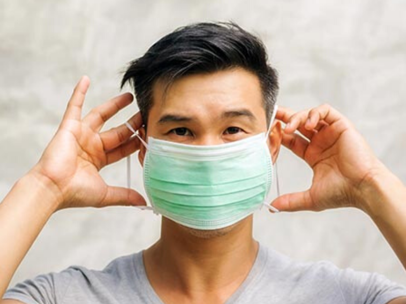 How to wear a face mask to protect yourself