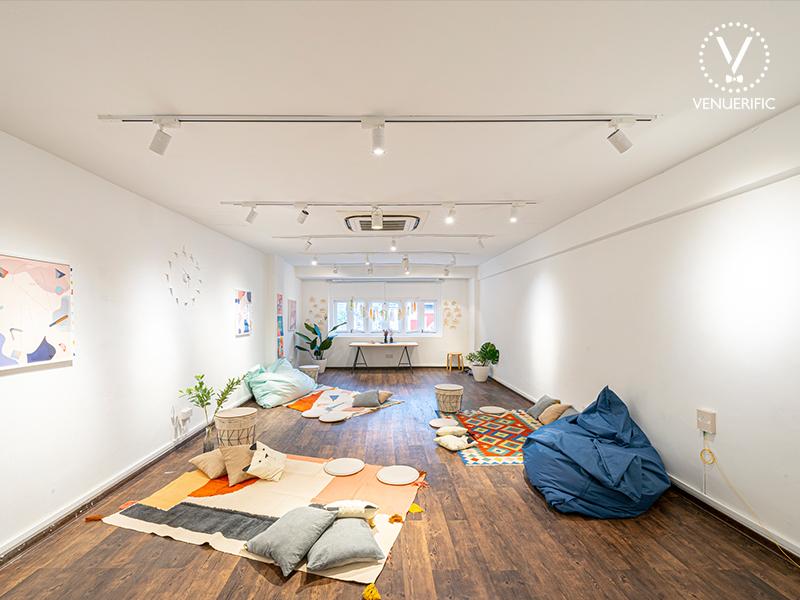 cozy loft at grids and circles